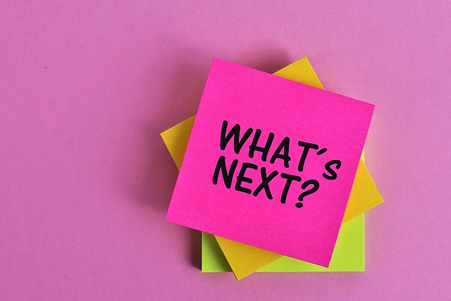 Post Its mit der Frage What's Next
